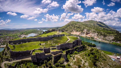 rozafa a legend in albania Shkodër was then transferred to the albanian family of balshaj, rulers of the whole  the building of the fortress is related by rozafa's legend.